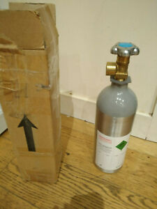 CO2 Refillable Bottle 2KG Pressure Aquarium Plant Canister Empty Bottle