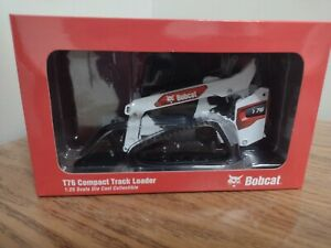 1:25 Bobcat T76 Compact Track Loader Model