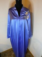 Vintage 80's Eve Stillman Wet Look Polyester Satin Robe Size Large