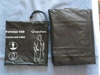 PONCHO QUECHUA FORCLAZ 100 Phtalate free Taille Unique S M L XL Occasion Noir