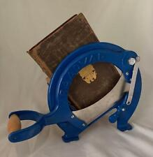 DANISH RAADVAD Bread Slicer / Cutter Blue Quirky Book Shelf MCM