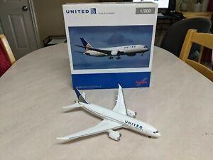Rare!  Mint 1/200 Herpa United Airlines Boeing 787-8 Dreamliner 555616 N20904