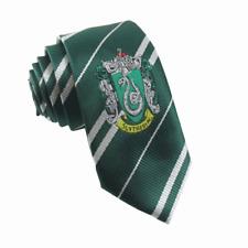 Harry Potter Krawatte mit Wappen in den Farben von Slytherin grün silber gestrei