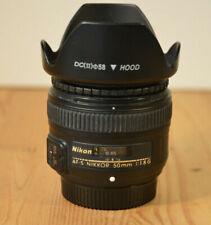 NIKON AF-S NIKKOR 50 mm 1:1.8G Premier objectif avec capuche et avant et arrière Caps