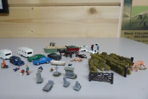 Selection of Vehicles/ Figures / Walls etc..
