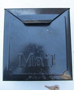VINTAGE WALL MOUNT STEEL MAILBOX WITH 2 KEYS 8.5 X 10.25 BLACK
