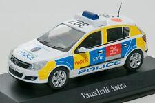 Vauxhall Astra Police UK car, Atlas JA19 scale 1:43, model car man boy gift