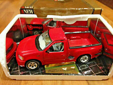 1:21 scale Bburago 1999 Ford Svt F150 Lightning Red 1:18