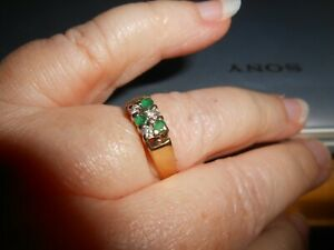 18CT EMERALD DIAMOND CLUSTER RING......YELLOW GOLD...VINTAGE ...STUNNING