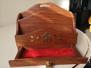 Range courrier porte lettre en bois décor laiton