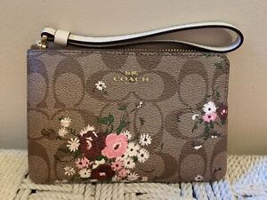 💙 COACH Wristlet Signature Brown Pink Floral Print Mother's Day Bag Clutch NWT