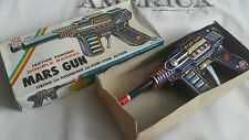 VINTAGE MARS GUN JAPAN H-2569 DOUBLE BARREL FRICTION POWERED S.H.TIN TOY POM-POM