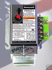HONEYWELL R8184M1051 CAD CELL RELAY / 40VA TRANSFORMER