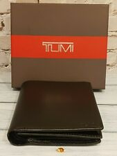 TUMI MENS WALLET BIFOLD 100% LEATHER IN BLACK BRAND NEW GENUINE BOXED TRAVEL