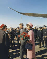 PRES. JOHN F. KENNEDY ARRIVES IN DALLAS 8X10 PHOTO 1963
