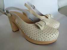 Swedish HASBEENS Toffel clogs creamy white size 38 US8 Italy leather wood heels
