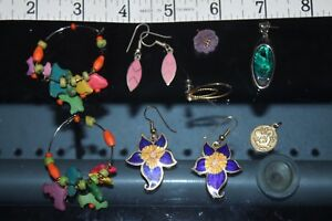 lot   assorted     Earrings  pendants