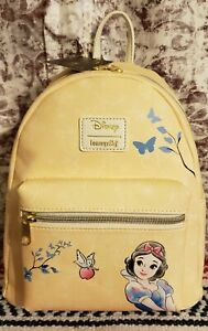 Loungefly Disney  SNOW WHITE  Backpack Purse Bag  BRAND NEW