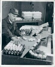 1962 Nutrena Workers Packages Eggs From Conveyor Into Cartons Press Photo