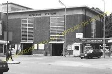 Alperton Railway Station Photo. Park Royal - Sudbury. Ealing to Harrow Line. (4)