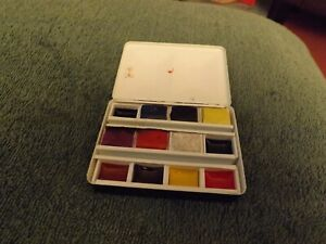 Winsor And Newton Small Watercolour Set In Thumb Ring Tin