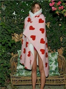 """NIP VICTORIA'S SECRET SHERPA THROW~PINK WITH RED HEARTS ~ 50"""" x 60"""""""