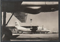 DDR Ak Interflug Flugzeug Turboprop AN - 24 auf Flughafen