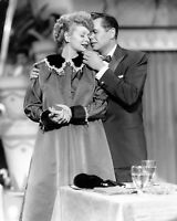 "LUCILLE BALL AND DESI ARNAZ IN ""I LOVE LUCY"" - 8X10 PUBLICITY PHOTO (AZ481)"