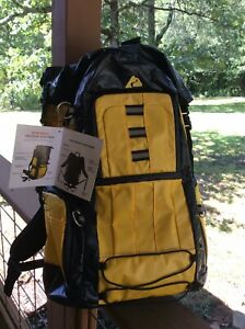 Ozark Trail Gustabus Backpack 32 Liter Capacity Day Pack Yellow Black Hochila