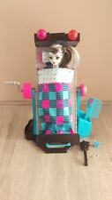 Monster High Frankie Stein and Mirror Bed Playset