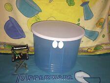 TUPPERWARE FRIDGESMART BLUE ROUND 20 CUP VENTED CONTAINER # 3998 LID # 3997