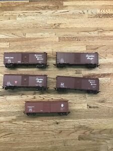 Lot of 5 Ho Scale Canadian Pacific Boxcars Used H-7