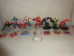 Disney Infinity - 7 x Avengers Character Figures and 7 discs &1 x Play Set Piece