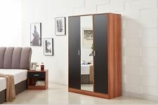 Yakoe Black/walnut Modern Design Bedroom Furniture 3 Door Mirrored