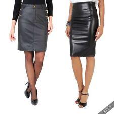 Mini-Damenröcke aus Leder in Übergröße