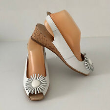 'EASY STEPS' BNWT SIZE '7C' WHITE LEATHER CORK HEEL SHOE WITH FLOWER DETAIL