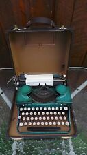 Antique ROYAL Typewriter Has GREEN Finish with Original Case