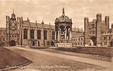 CAMBRIDGE UK TRINITY COLLEGE OLD COURT POSTCARD 1910s