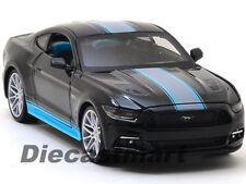 Maisto 1:24 31369 2015 Ford Mustang Gt Coupé Negro con Azul Rayas Coche de Metal