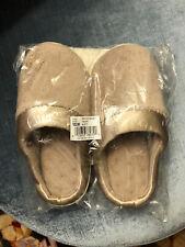 Isotoner Slippers 6.5-7