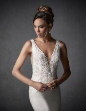 Wedding dress Size 12/14 Lace Backless