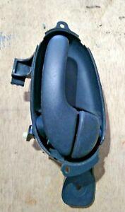 2002-2004 CHEVROLET TRAILBLAZER FRONT RIGHT INTERIOR DOOR HANDLE OEM LOC-151B