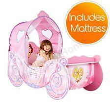 Letti e materassi rosa per bambini a tema principesse