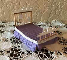 PRETTY VINTAGE DOLLHOUSE DOLL HOUSE BED WITH HEADBOARD AND FOOTBOARD
