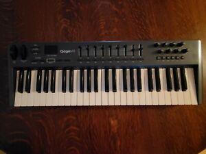 M-Audio Oxygen 49 3rd Generation Midi Controller Keyboard 49-Key USB