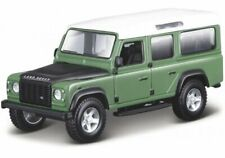LAND ROVER Defender 110 - green - Bburago 1:32
