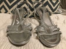 Women's 7M Unlisted Silver Glitter Rhinestone Strappy Sandals KIND AS EVER