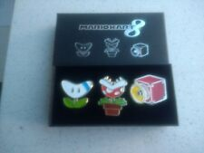 CLUB NINTENDO  MARIO KART 8 BADGE/PIN SET VERY RARE  And COLLECTABLE