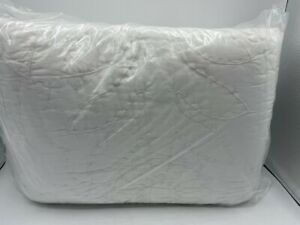 New Pottery Barn Lilo Handcrafted Cotton Full/Queen Quilt ~White~