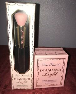 TOO FACED Diamond Light Multi-Use Highlighter Fancy Pink & Highlighter Brush Set